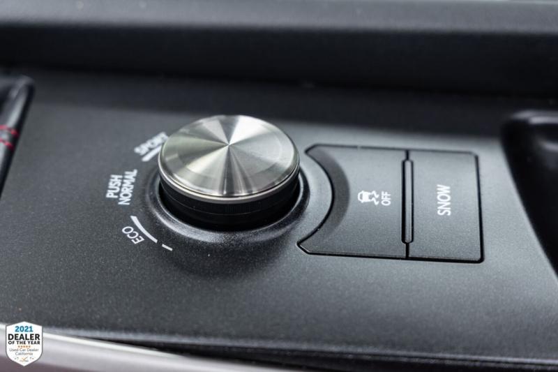 Lexus IS 300 2018 price $33,700