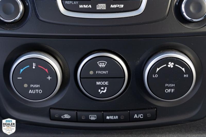 Mazda MAZDA5 2012 price $8,900