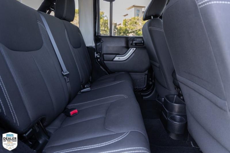 Jeep Wrangler Unlimited 2014 price $31,900