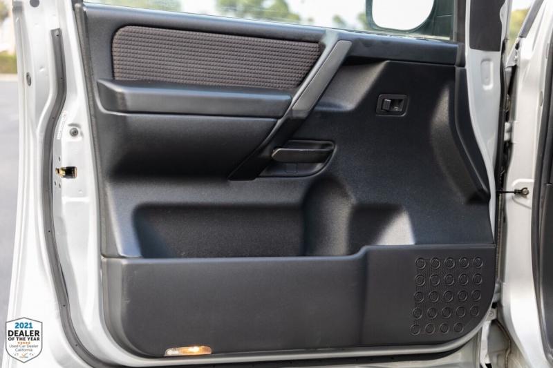 Nissan Titan 2009 price $17,990