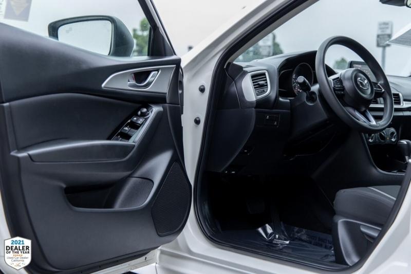 Mazda MAZDA3 2018 price $23,900