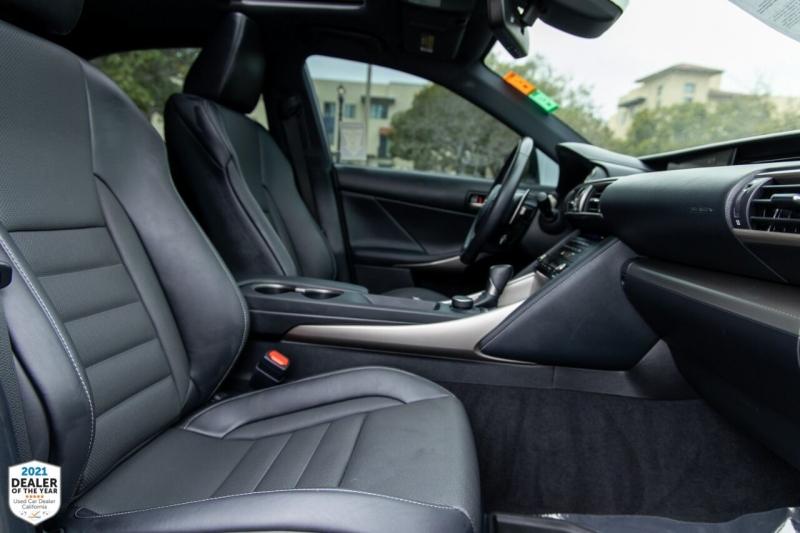 Lexus IS 200t 2017 price $35,900
