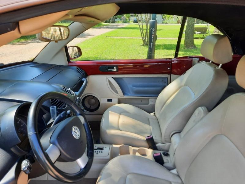 Volkswagen New Beetle Convertible 2008 price $7,499